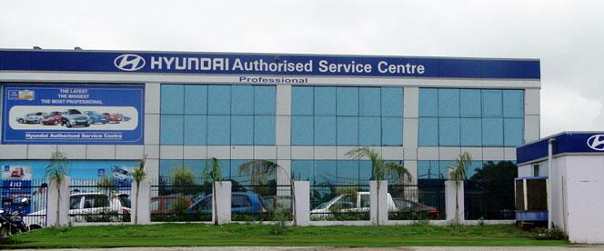 Safdarjung Hyundai Service Station In HPCL Petrol Pump