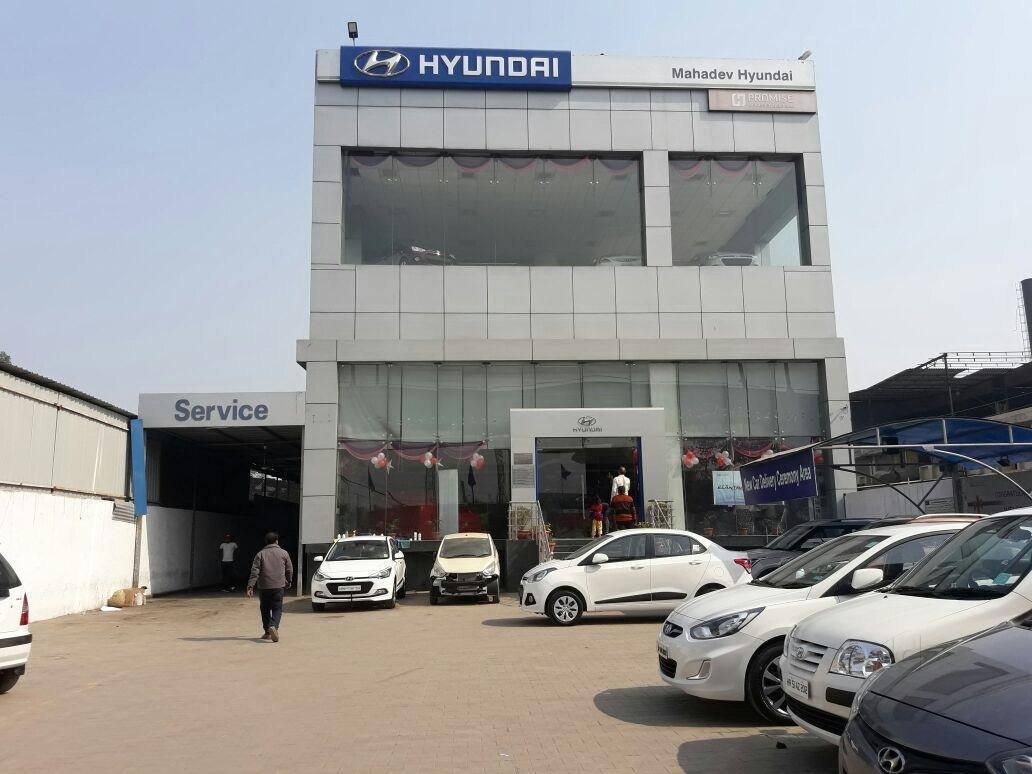 Mahadev Hyundai PVT LTD in 13/3 Main mathura road NHPC cho