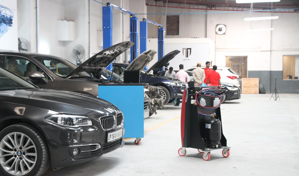 Motr1 Luxury Automotive Workshop In 13 7 Gd Industrial Estate